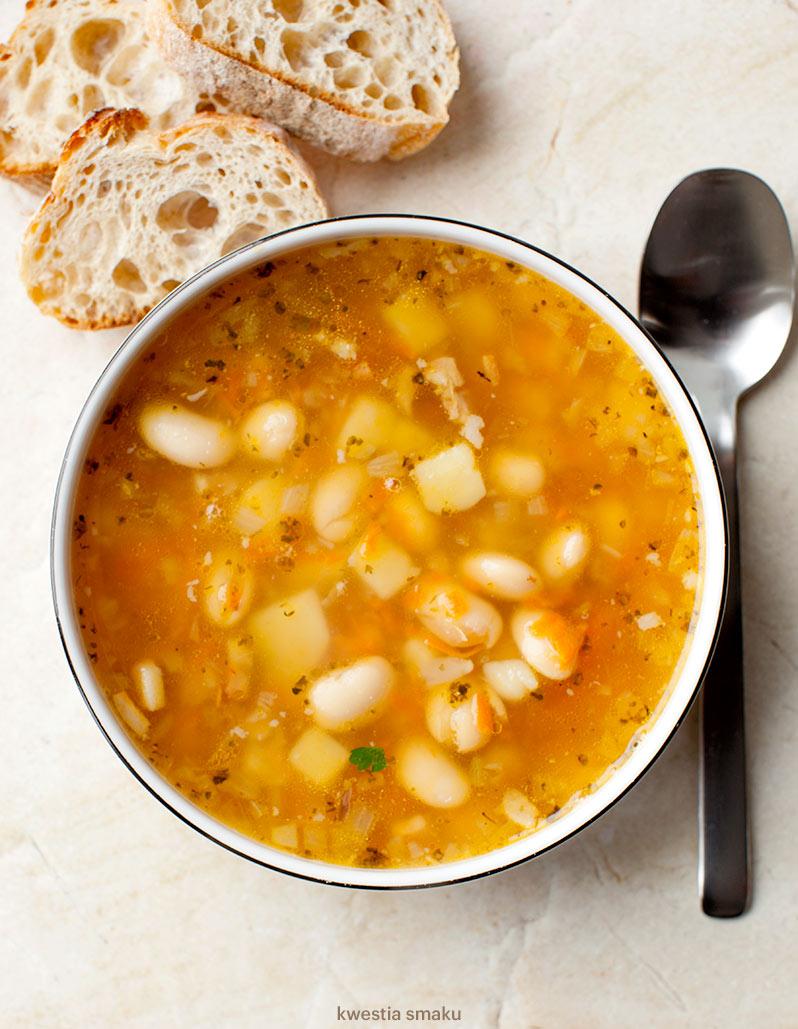 Zupa fasolowa i na baraninie