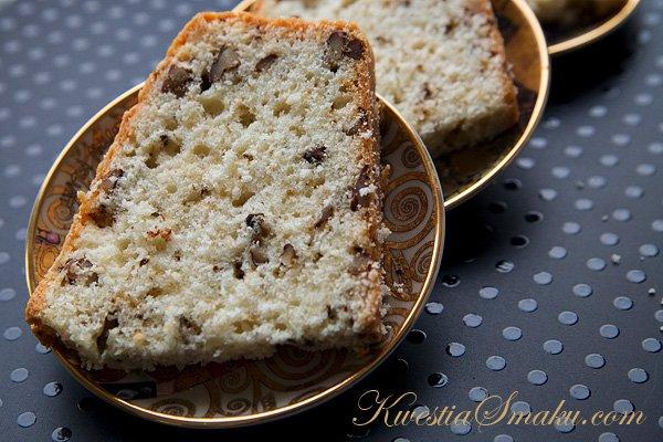 Фруктовый пирог с орехами на белках