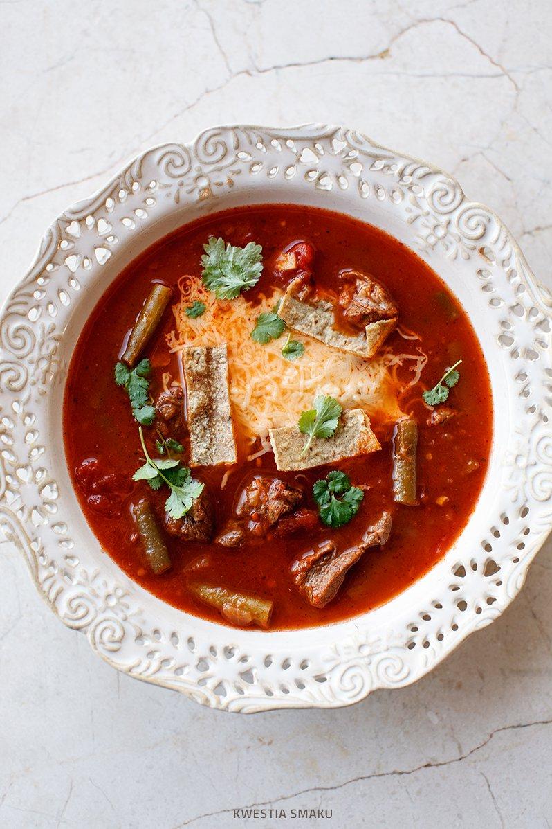 Meksykańska Zupa Z Wołowiną Pomidorami I Fasolką