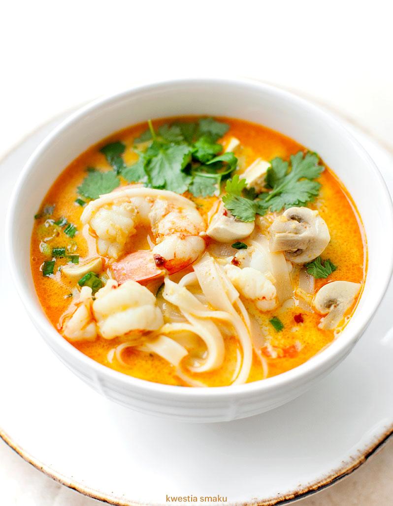 Orientalna Zupa Z Krewetkami I Makaronem Ryzowym Kwestia Smaku