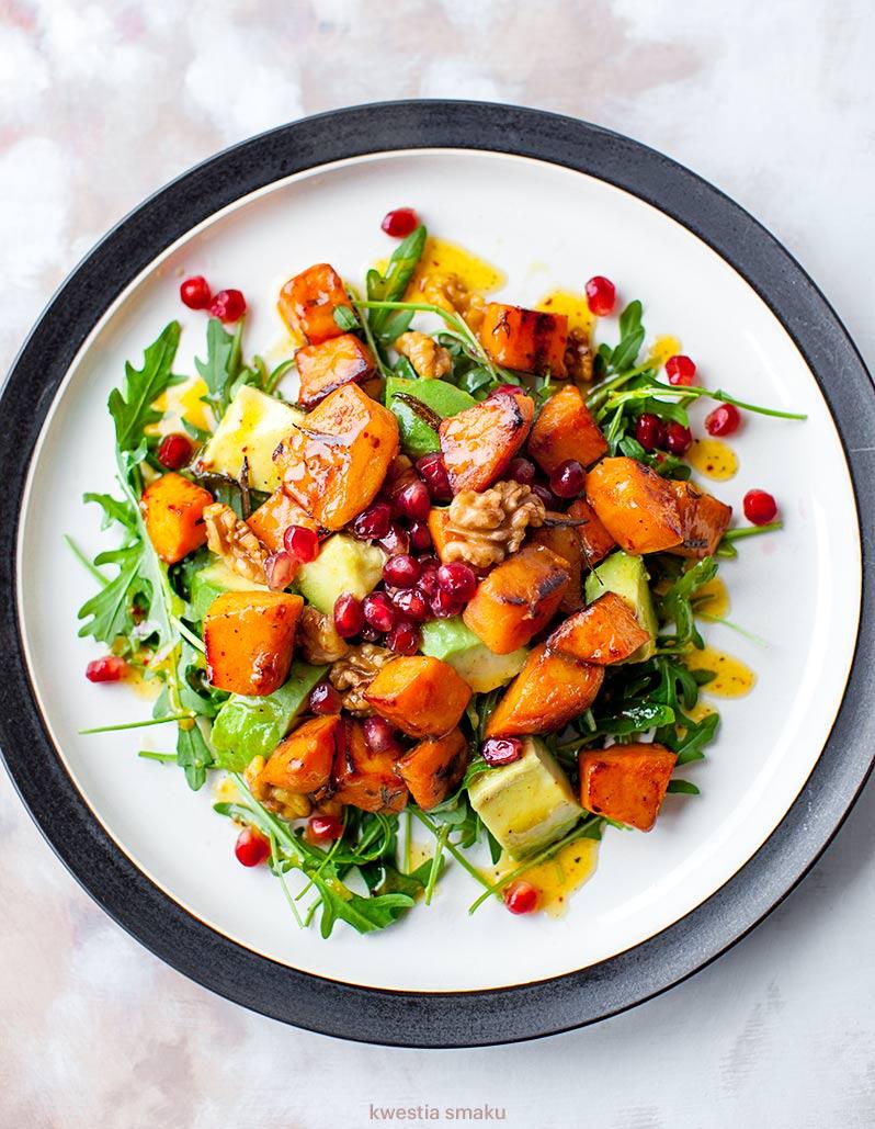 Salatka Z Awokado I Pieczonych Batatow Kwestia Smaku