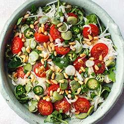 Salatka Z Bobem Kalarepka I Pomidorkami Koktajlowymi Kwestia Smaku