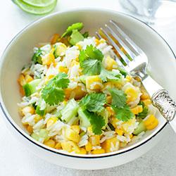 Salatka Ryzowa Z Ananasem I Kukurydza