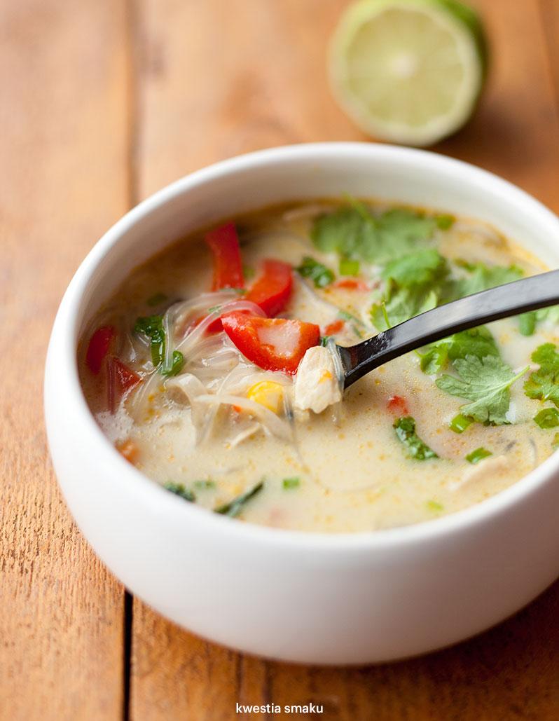 Tajska Zupa Z Kurczakiem I Warzywami Kwestia Smaku