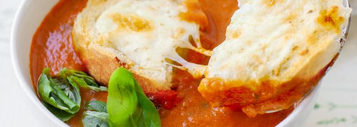 Zupa Pomidorowa Z Bazylia I Grzankami Serowymi Kwestia Smaku